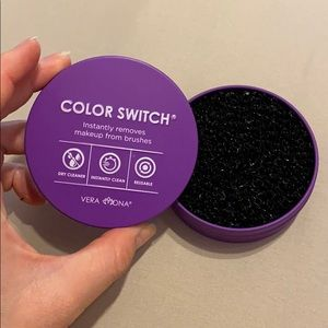 Vera Mona color switch for eyeshadow brushes